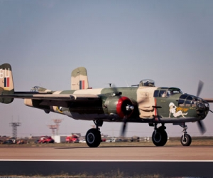 "B-25 ""Yellow Rose"""